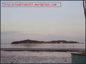 Yang ini View pulau penyengat dari Jauh, asli dari Camdig saya...:) bukan ngambil dari internet hehehe