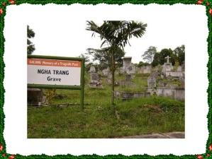 "pemakaman pengungsi di pulau galang ""Ngah Trang"""