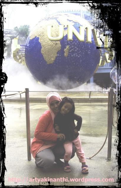 In front of universal studio
