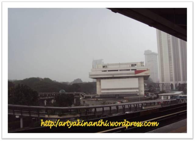Eh itu kantor pos besar Kuala Lumpur....