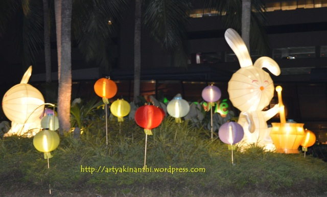 lantern on moon cake festival at vivocity