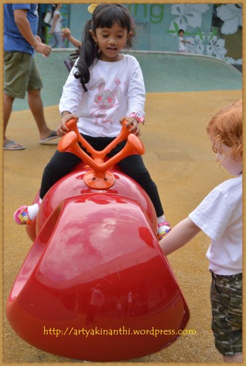 playground vivocity 1